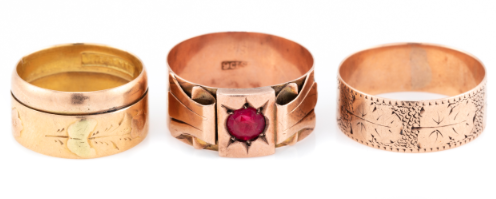 Vintage rose gold rings, found at Lawsons Auctioneers